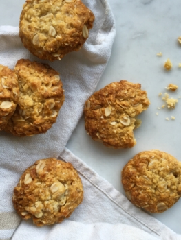 Video: How to make ANZAC biscuits