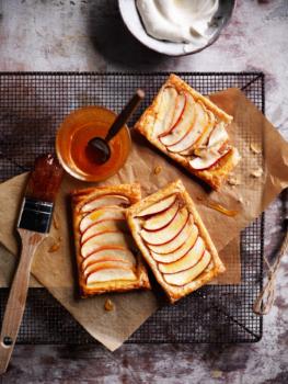 spelt apple tarts