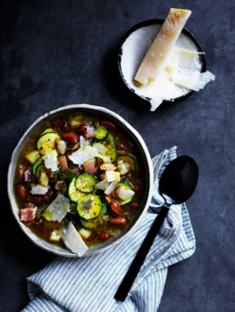 zucchini borlotti soup