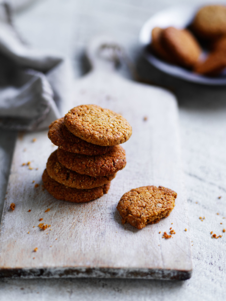 Coconut oat biscuits (ANZACs)